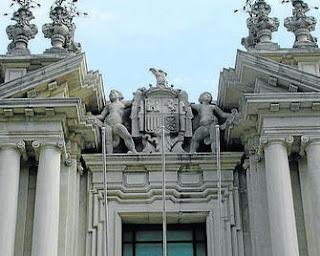 Imagen antes del proceso de iconoclasia de la Fachada de la Facultad de Filología de la Universidad de Sevilla