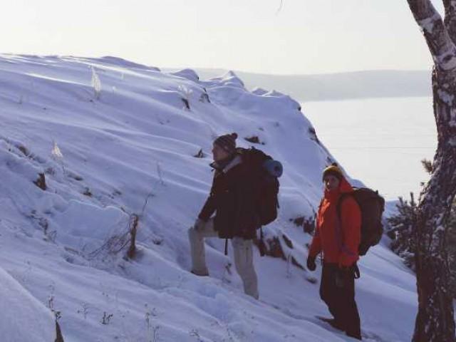 Двое парней в костюмах пингвинов собрались в кругосветное путешествие