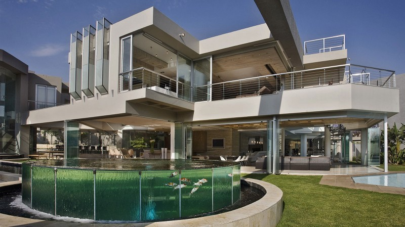 Architecture corner amazing home glass house by nico van for Amazing modern architecture