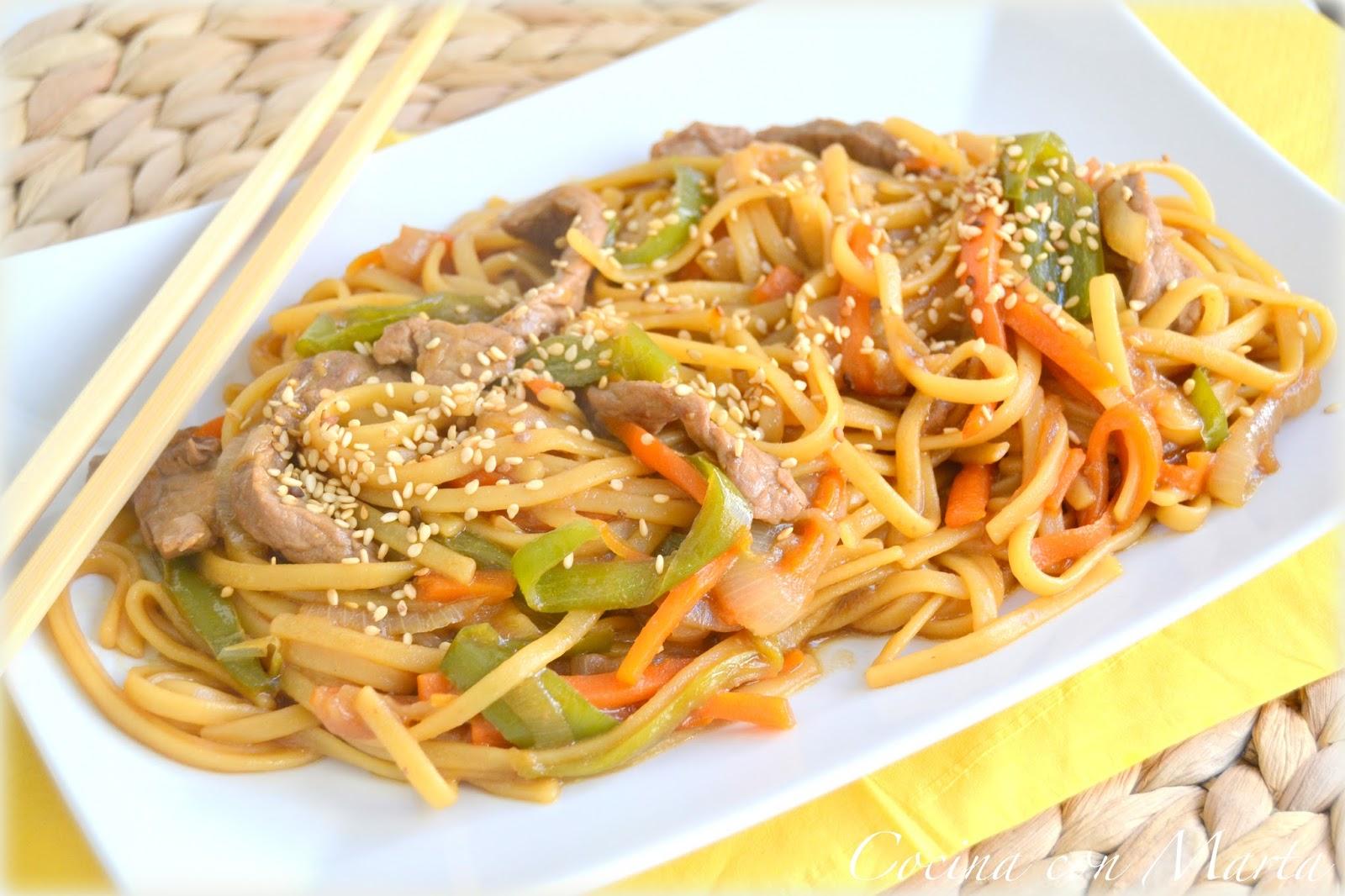 Tallarines fritos al estilo chino - Como hacer espaguetis al pesto ...