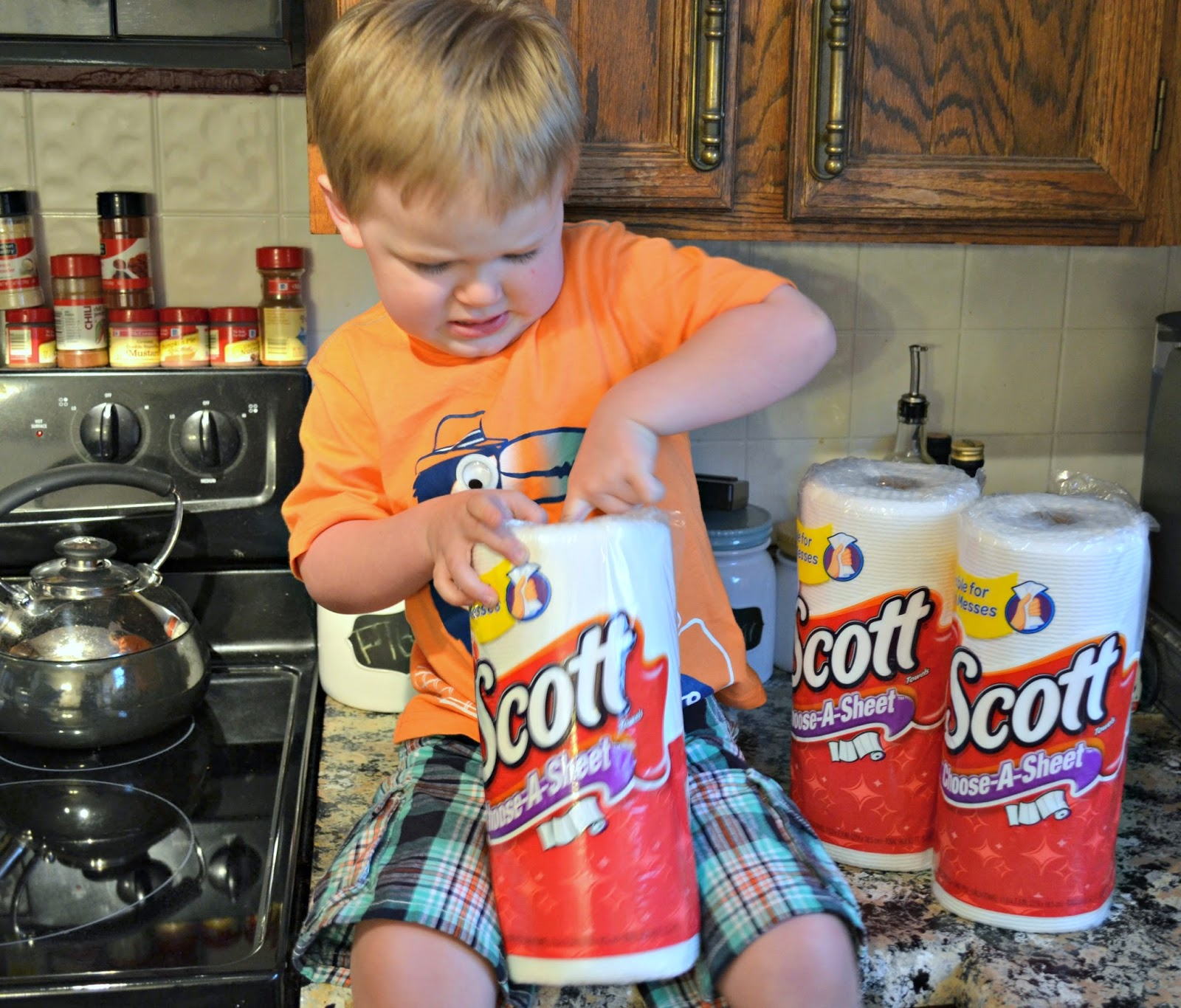 Surviving my kitchen helper with SCOTT® Towels #ScottValue #ad #PMedia