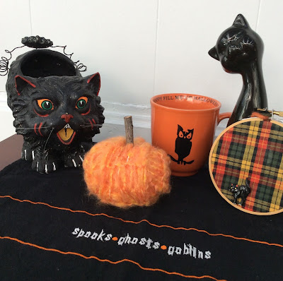 recycled skinny scarf pumpkin, yarn pumpkin, stefanie girard