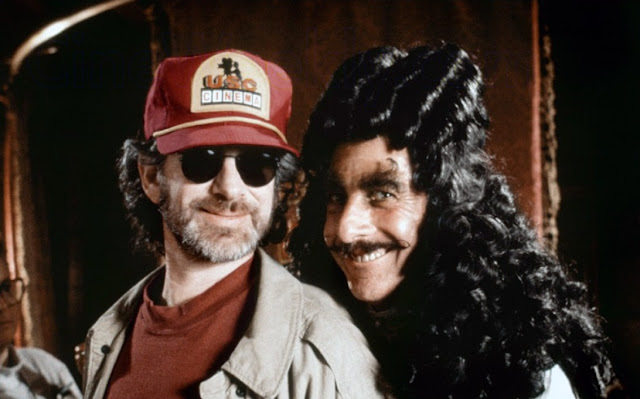 Spielberg and Dustin Hoffman as Hook