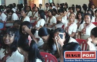 Para siswa hadiri acara pentas seni dan budaya BNN