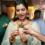 94670-samantha-at-prince-jewellery-exhibition-11