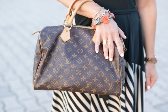 BVLGARI ring, bauletto Vuitton 30, Louis Vuitton Speedy 30 monogram, Fashion and Cookies