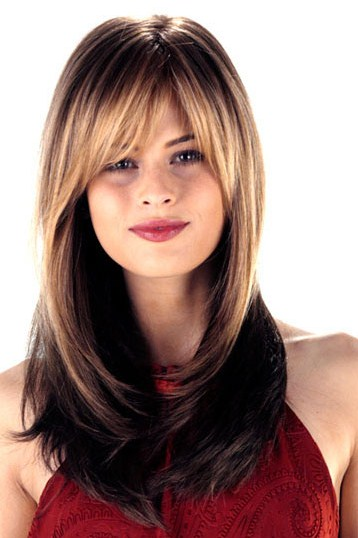 Long Hairstyles Ideas for Teenage Girls with Round Faces