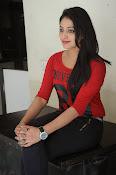 Hari Priya dazzling stills-thumbnail-20