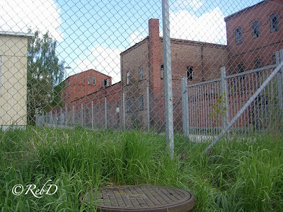 Gamla spritfabriken, Eslöv. Med brunnslock i förgrunden. foto: Reb Dutius
