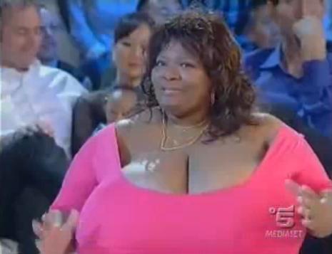 La donna con il seno più grande del mondo   Donna Moderna