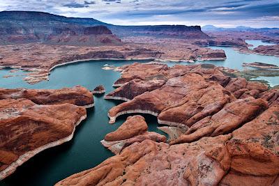 Lago Powell en Utah, Arizona, Estados Unidos de América.