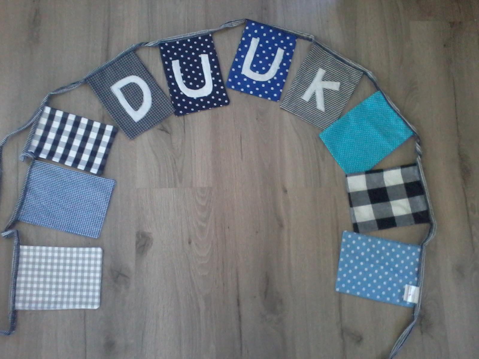 Slaapkamer Delen Met Baby : ... om met hun verjaardag op te hangen ...