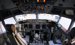 boeing 737-900 cockpit, b737-900 cockpit