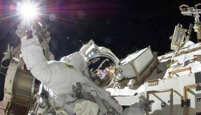 Kisah Kehidupan Para Astronot di Luar Angkasa