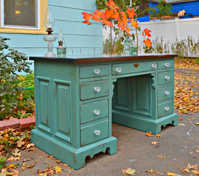 i loved this desk from the first moment i saw it come off carls trailer it was paneled on all four sides beautifully built a vintage solid pine bennington ethan allen desk