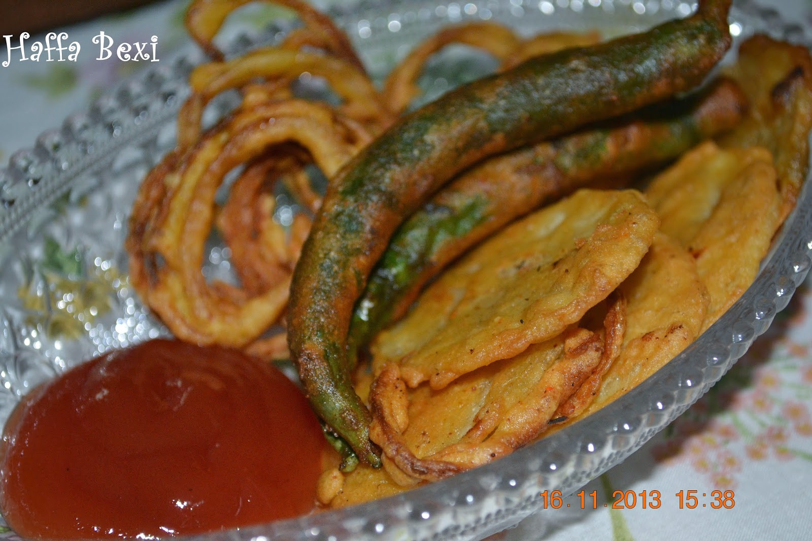 potato fritters, quick meal ideas, Snacks, Onion bhaaji, onion fritters, vegetarian meals, fritters, fritter, Pakoray, vegetable fritters,fritters recipe