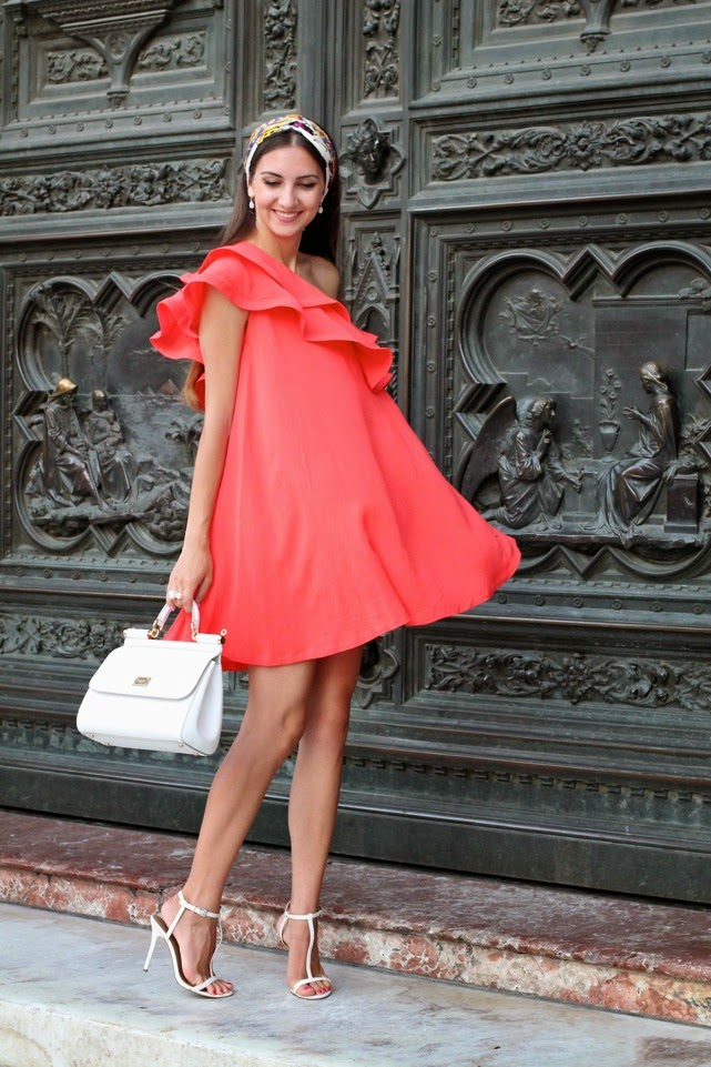 birmingham and london fashion blogger, orange asymmetric frill dress, model in birmingham, russian blogger