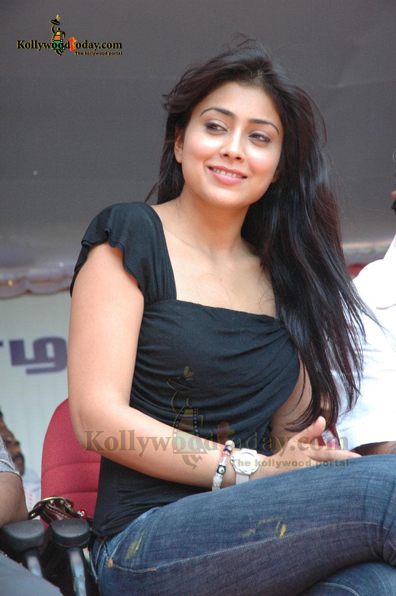 shreya latest hot and spicy stills shreya boobs show photos,shreya