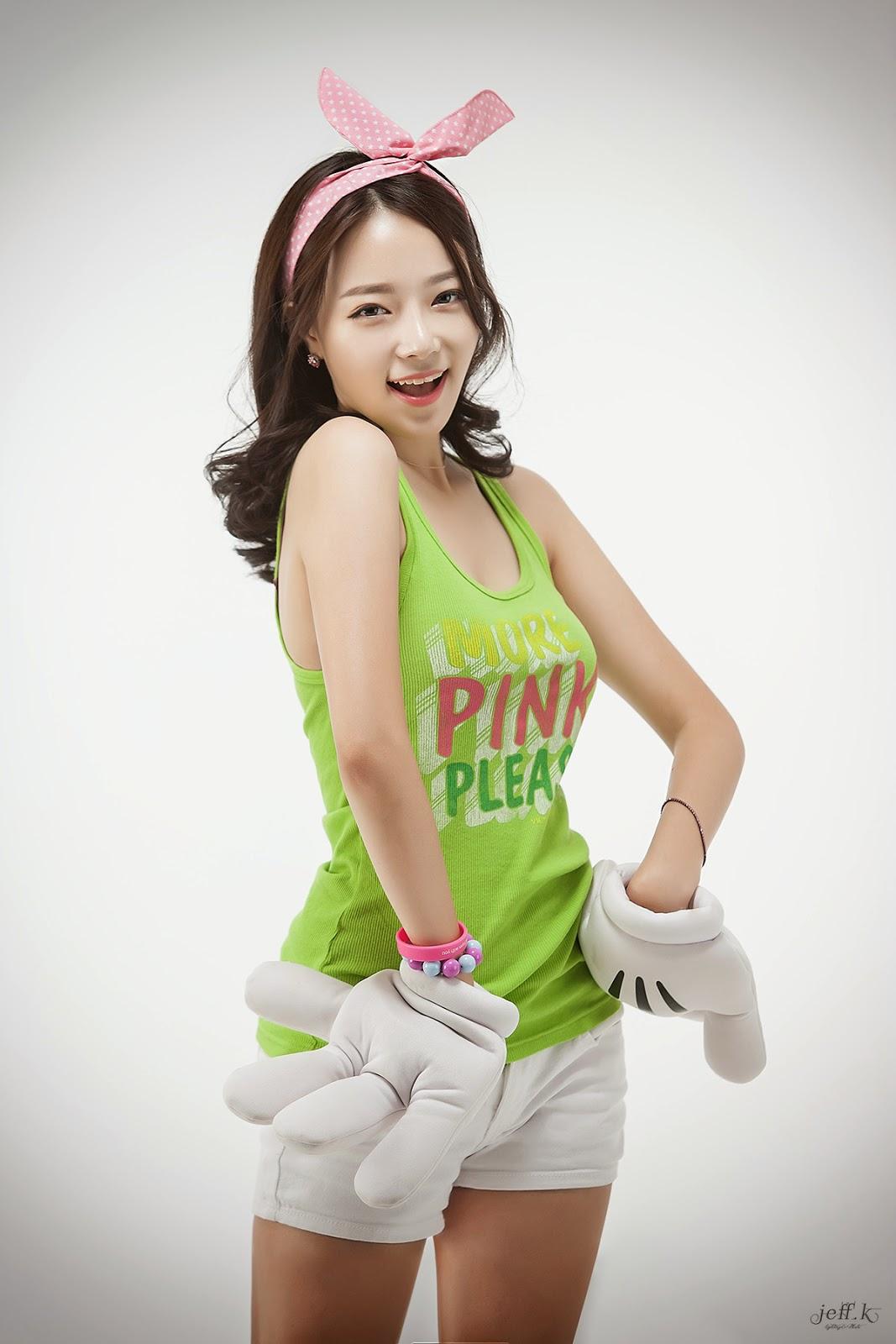 Yeon Da Bin - Seoul Auto Salon 2014 ~ Cute Girl - Asian