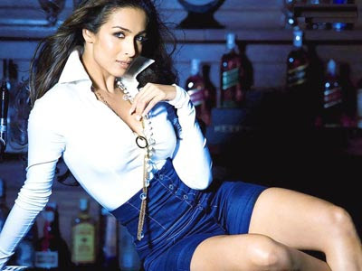 Malaika Arora Khan sexy hot boobs nude legs yummy body - Anarkali Disco ...