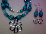 Turquois Cracked Glass Choaker Set with Flower Pendant