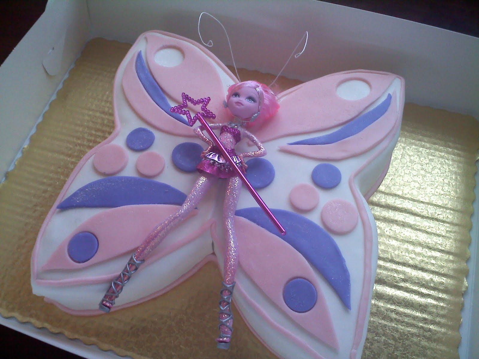 Pinky Promise Cakes: butterfly cake