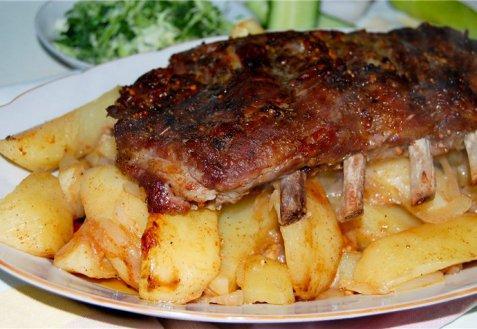 рецепт ребрышек с картошкой духовке фото