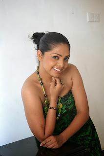 Nirosha Thalagala cute