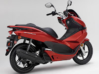 2013 Honda PCX150  Scooter pictures 4