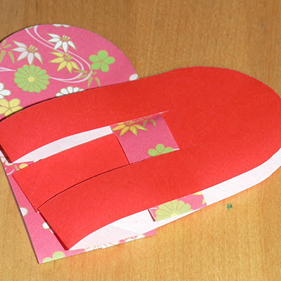 how to weave the paper to make a swedish woven heart basket - step 2