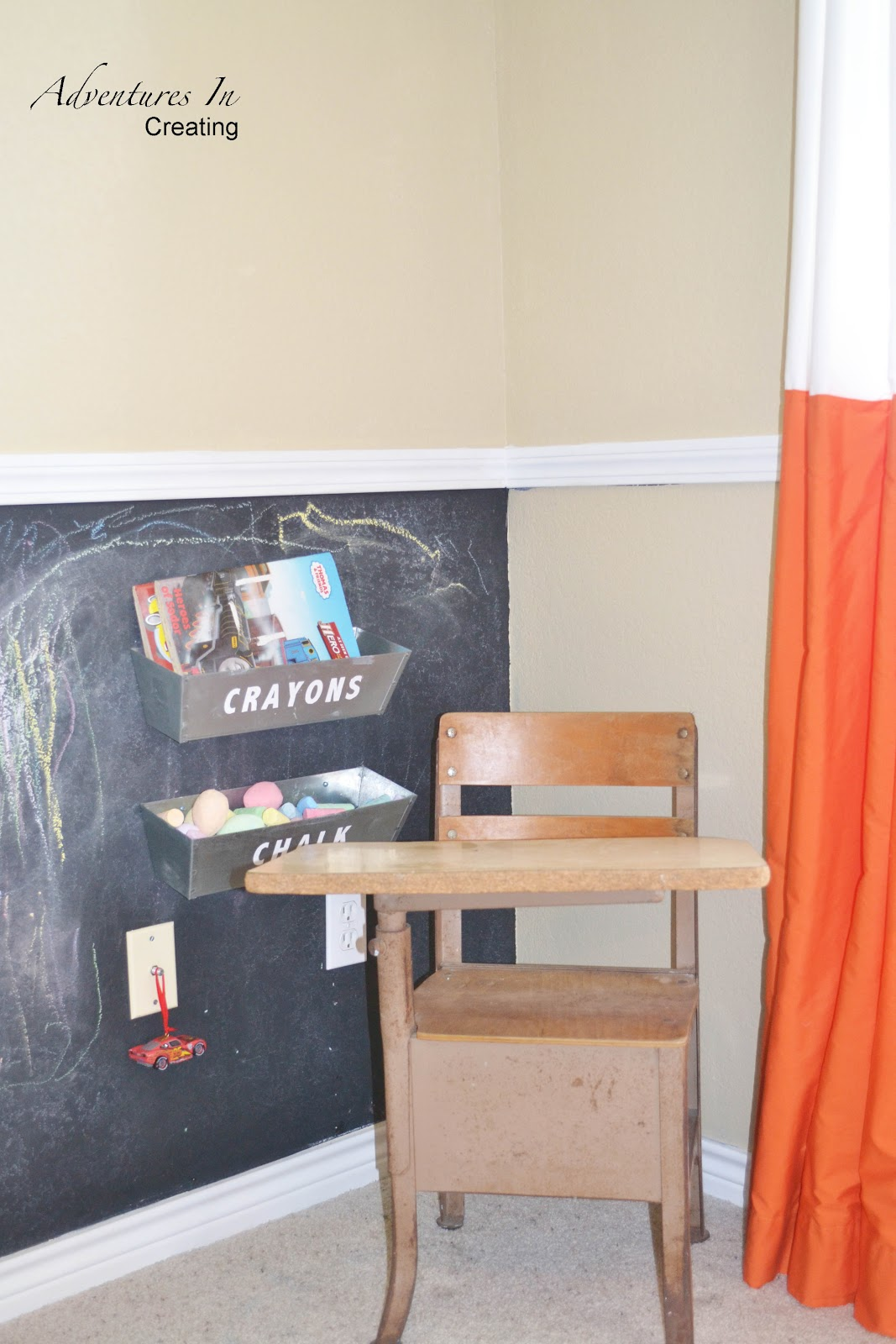 Boys bedroom with orange accents for Chair for boys room