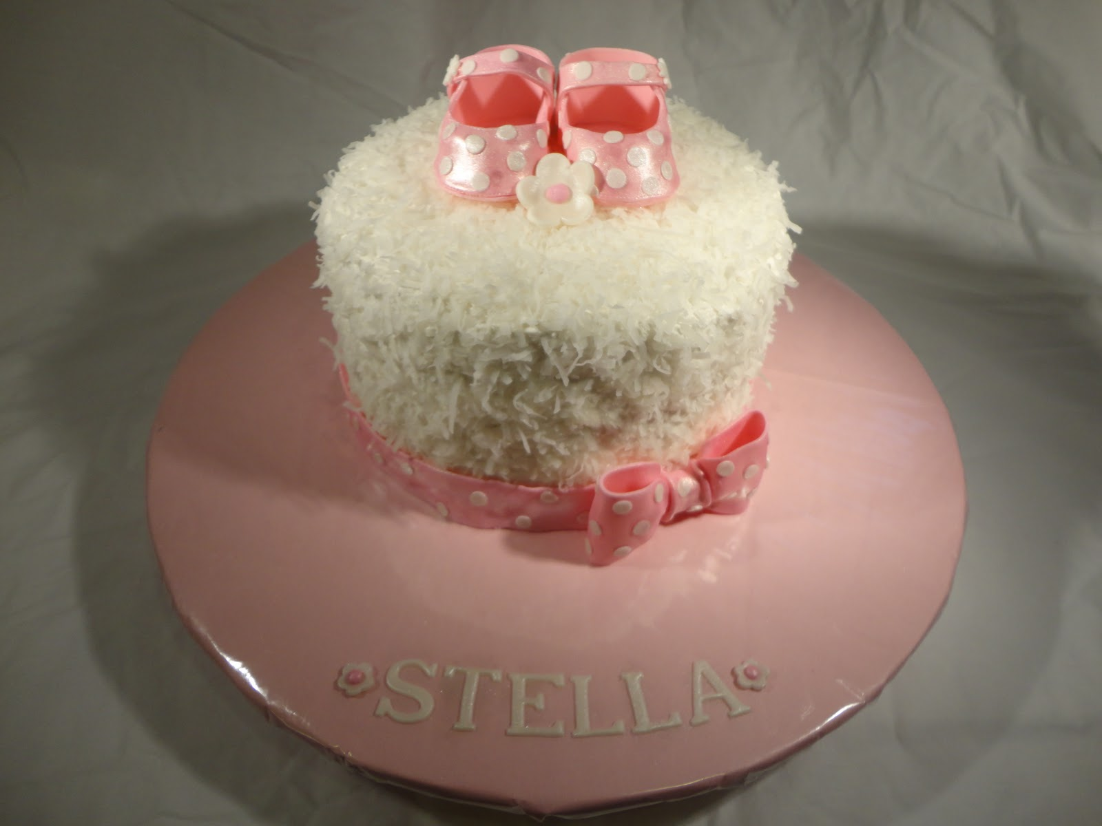 Cakes and Cookies by Andrea: Baby Bootie Cake
