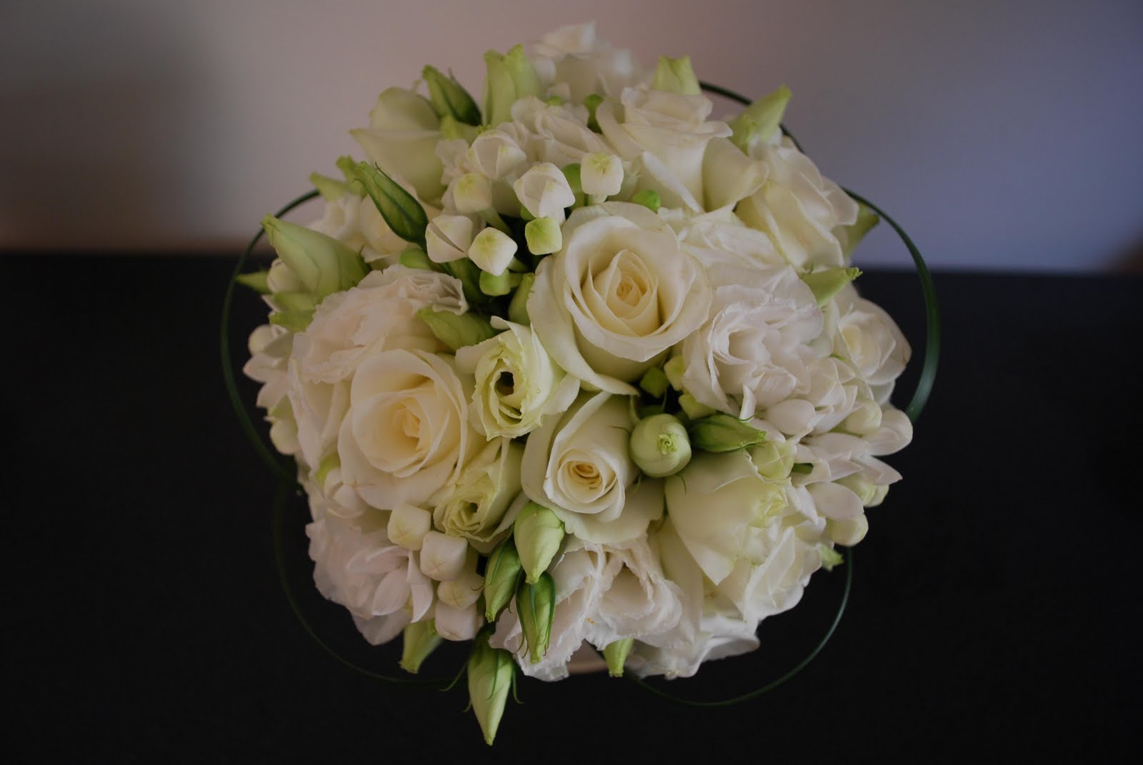 Displaying 19 gt images for ivory rose wedding bouquets