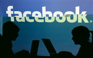 Booking Ayam Kampus Lewat Blackberry dan Facebook