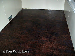 Brown Paper Bag Floor Covering http://www.4you-withlove.com/2012/05/paper-bag-floor-dyed-black-trial.html