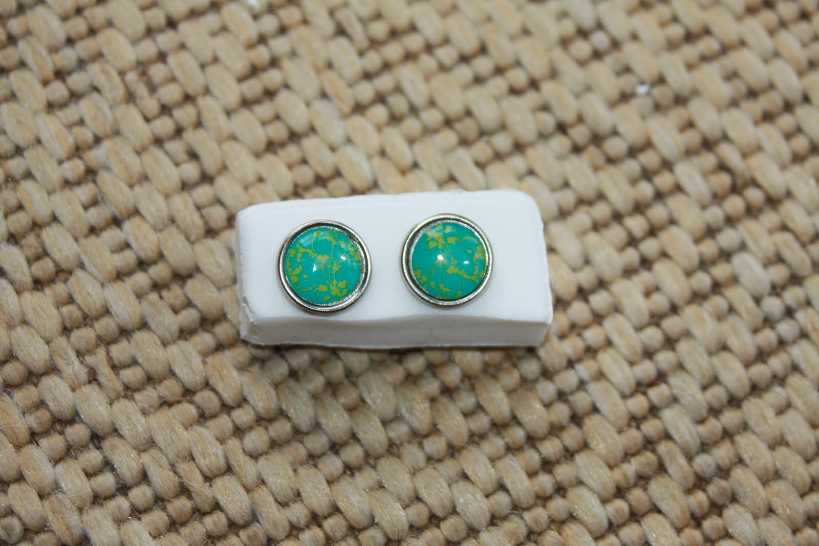 Silver rimmed turquoise with lime green paisley