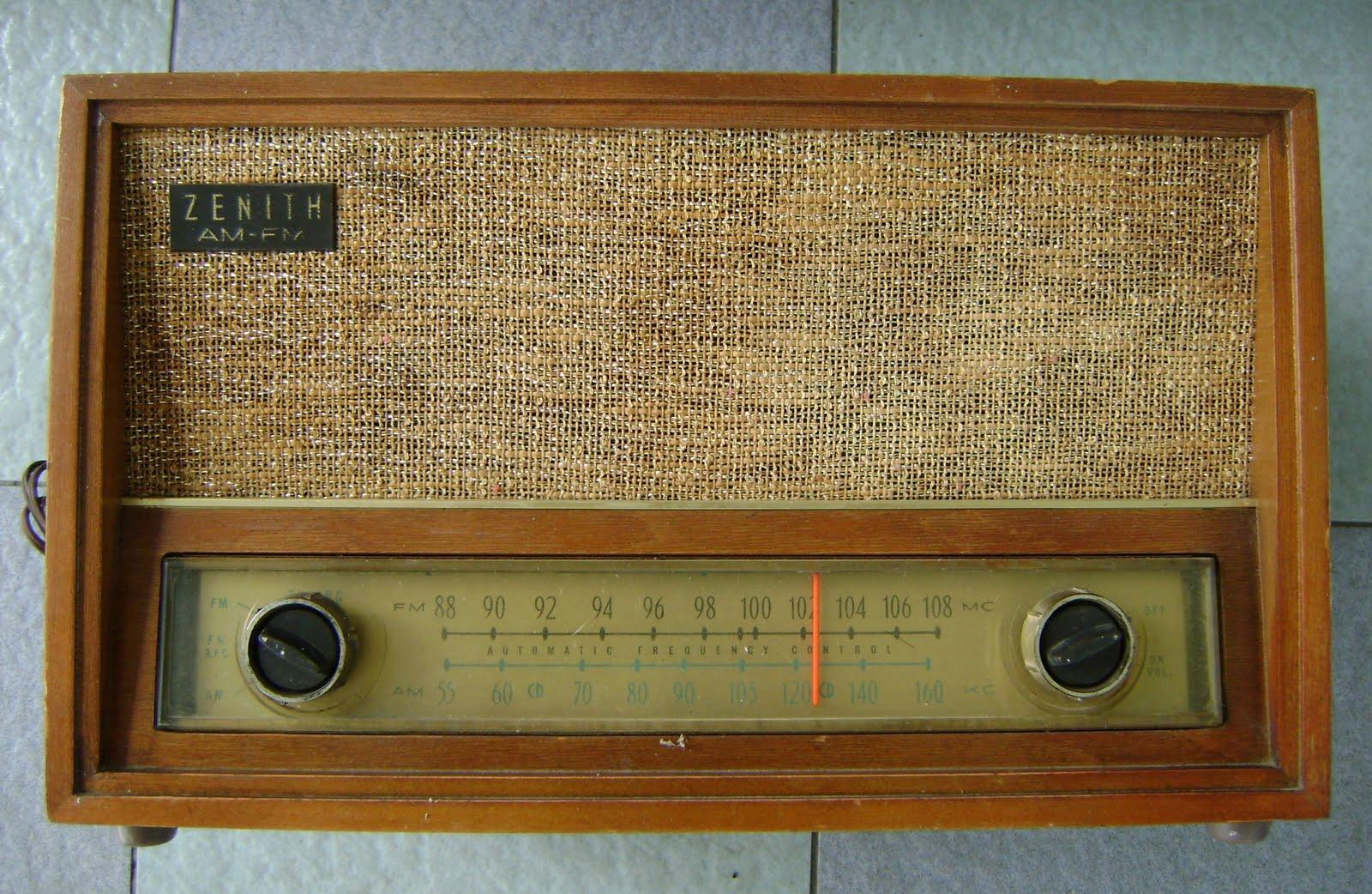 KINTA VALLEY AUDIO: Zenith Model C730 tube radio ( Used ) Sold
