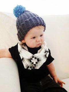 gambar bayi lucu pakai syal