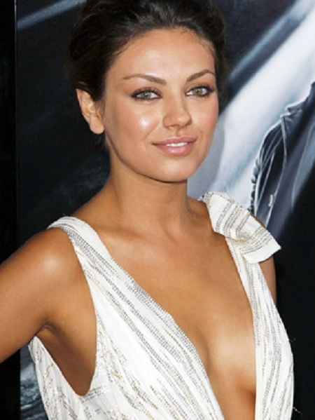 mila kunis so hot 4cd09173 sz450x