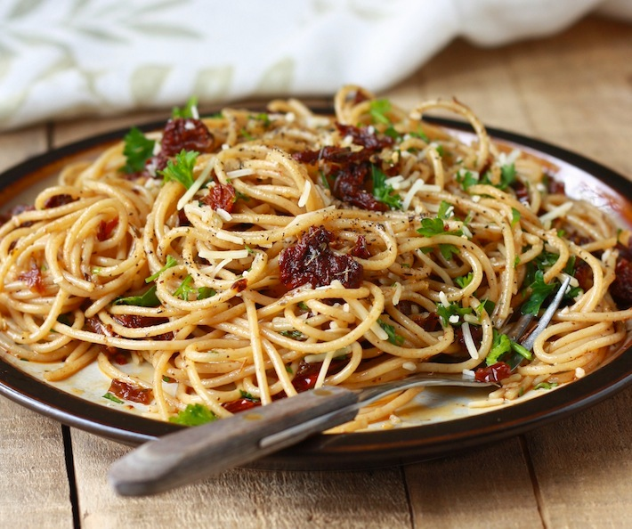 Sun-Dried Tomato Pasta recipe by SeasonWithSpice.com
