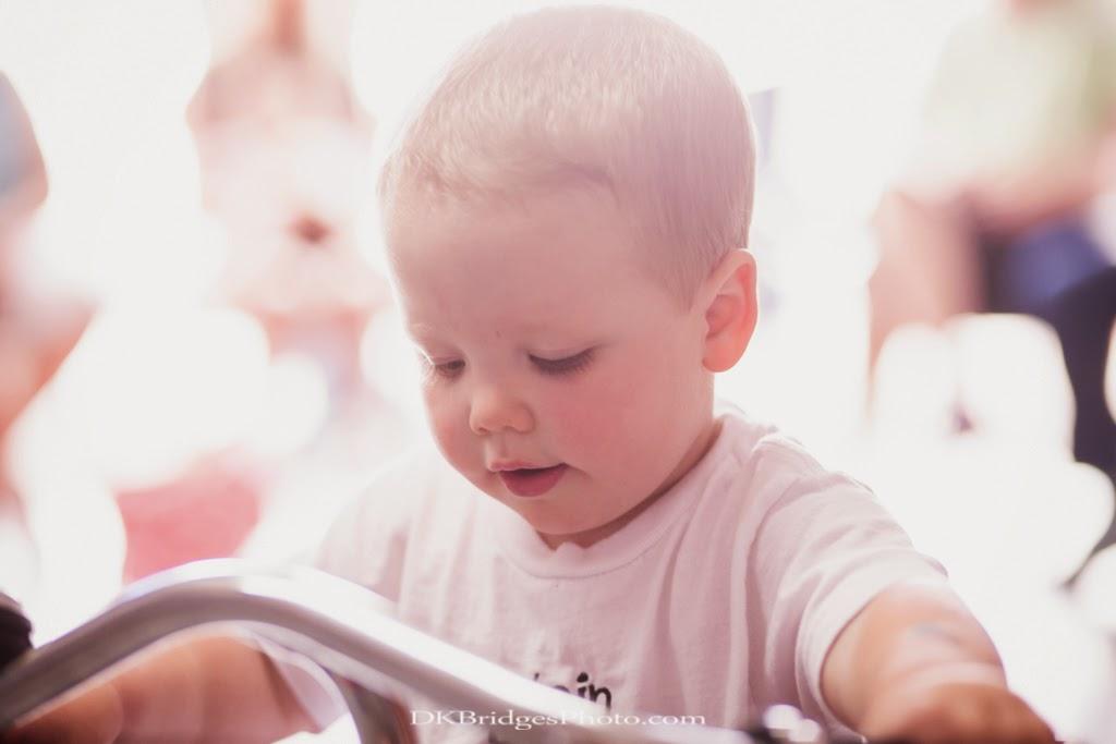 IMAGE: http://2.bp.blogspot.com/-9oGhVFMErbc/U_NODTlZIeI/AAAAAAAAPzc/ot9D-MM_jF0/s1600/Brayden's%2BBday%2Bwm1024%2B(58%2Bof%2B111).jpg