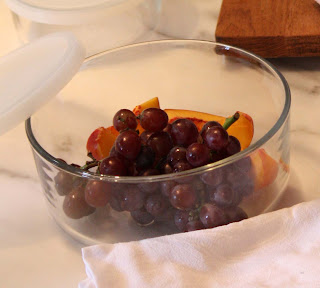 Picnic prep: grapes and peaches by LeAnn for linenandlavender.net - http://www.linenandlavender.net/2012/08/a-concert-on-beach-amadou-and-mariam.html