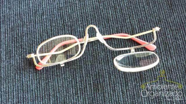Óculos com lente móvel