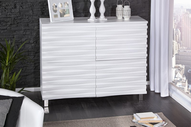dizajnovy nabytok, skrinka s dvierkami v bielej farbe