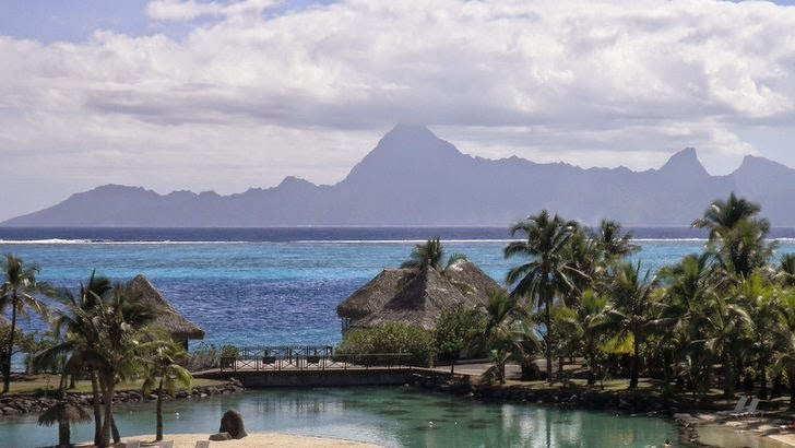 Moorea vue de l'hôtel Intercontinental Resort à Tahiti