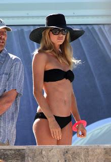 Doutzen Kroes Bikini Photos, Doutzen Kroes Bikini Pics
