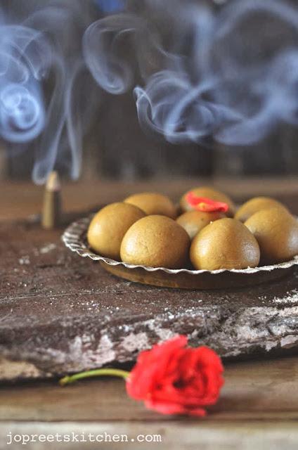 Bajra & Paneer Ladoo (Pearl Millet & Cottage Cheese Ladoo)