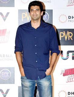 Deepika, Ranbir Kapoor and Celbs at Yeh Jawaani Hai Deewani Screening -4