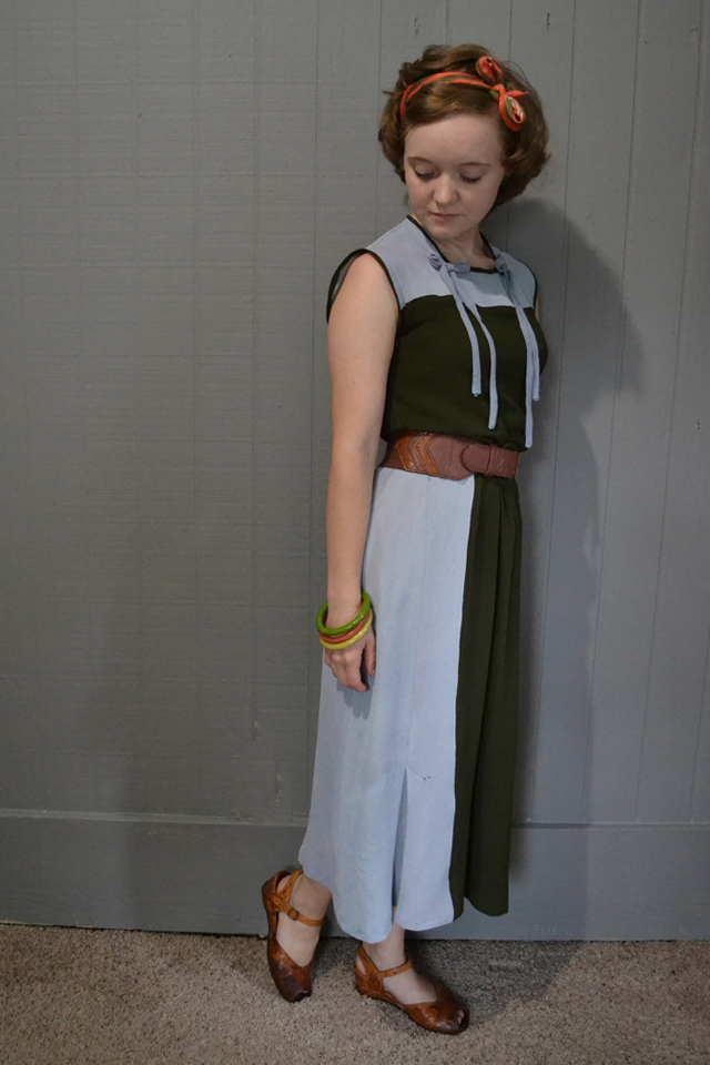 Flashback Summer - Make Do and Mend Gray Suit Project: the Dress - 1930s