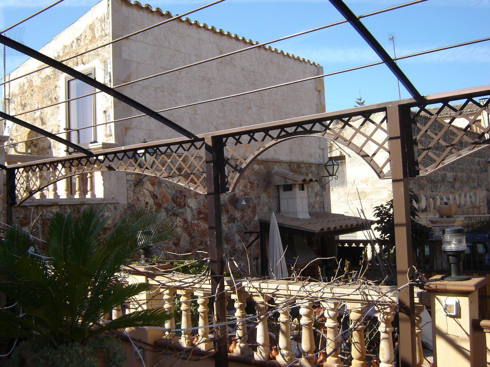Arte en hierro juan jose oliva cerezo p rgola de terraza for Pergolas de hierro para jardin